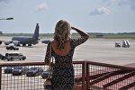 Небо, самолет, девушка