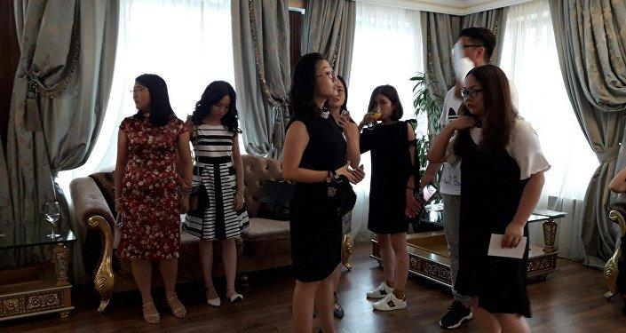 Китайские поклонники готовы следовать за голосом Димаша во время гастролей