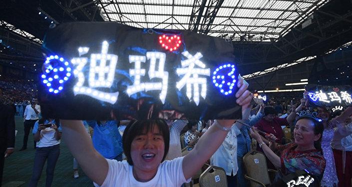 На концерт Димаша прилетела армия фанатов из Китая