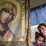 Переезд в автобусе до пункта отправления во время Крестного хода по святыням реки Тьмы, организованный в 2001 году отцом Сергием Дмитриевым