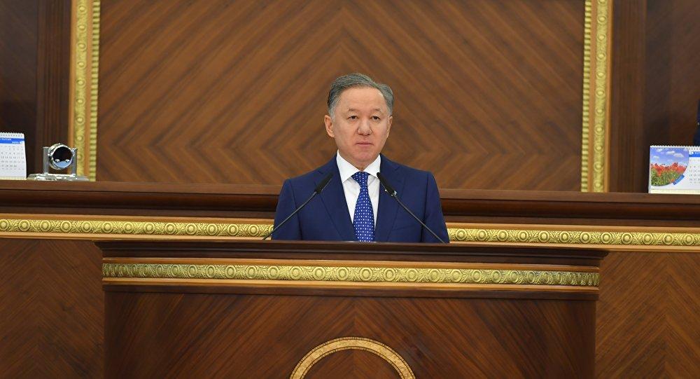 Нурлан Нигматулин на закрытии сессии парламента