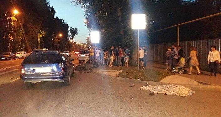 Пассажирка скутера погибла в ДТП в Алматы