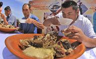 Национальные блюда, архивное фото