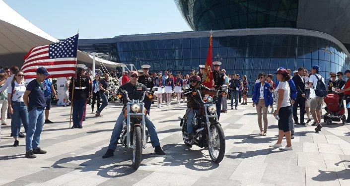 Байкеры на Harley Davidson