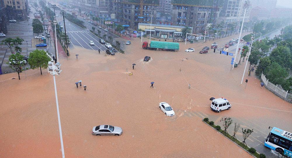 Последствия сильного дождя в Китае