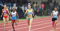 Казахстанская легкоатлетка Виктория Зябкина (в центре)