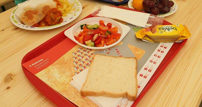 Еда для участников ралли в костанайском бивуаке