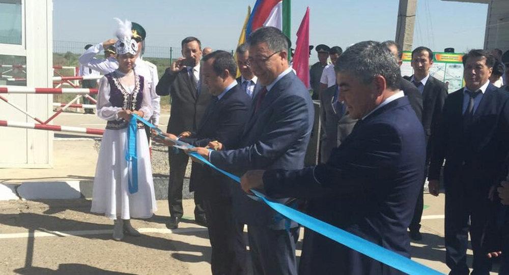 Два новых пункта пропуска открыли на казахско-узбекской границе