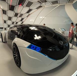 Автомобиль будущего в павильоне Узбекистана на ЭКСПО