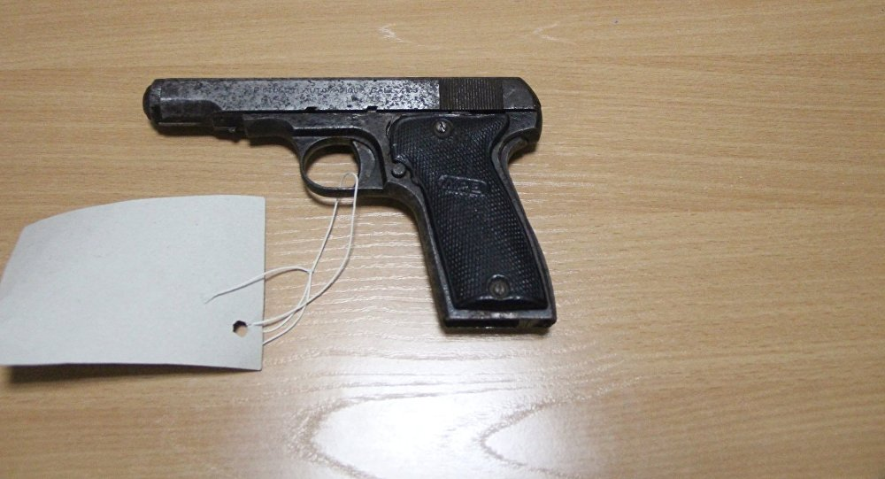 Пистолет 1933 года выпуска сдали в полицию в Павлодарской области