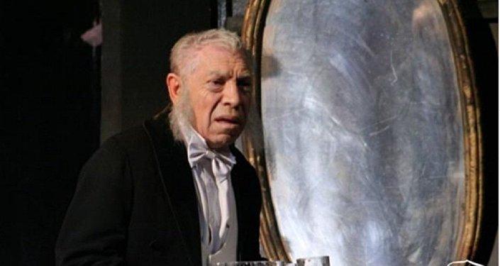 Владимир Толоконников в спектакле Вишневый сад