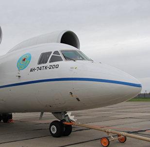 Самолет АН-74, архивное фото