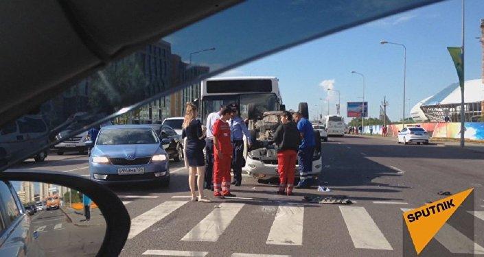 Автомобиль перевернулся на Кабанбай батыра в Астане