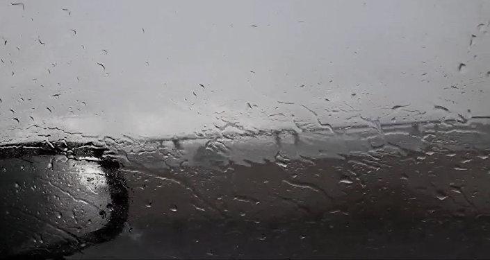 Сюрпризы погоды: ливень неожиданно обрушился на Астану