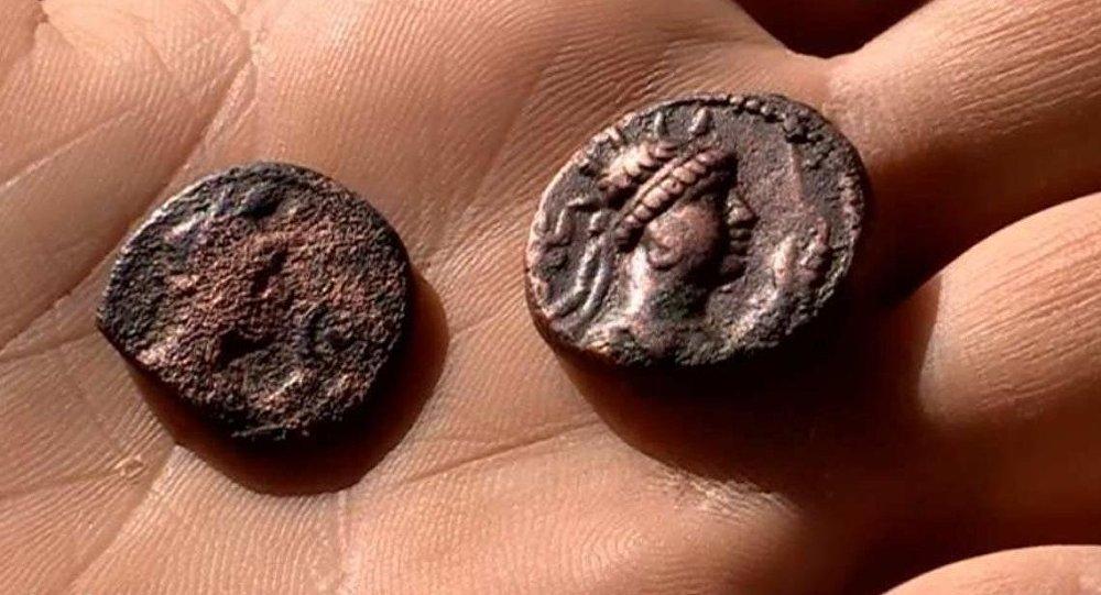 Монеты Кангюйского государства, найденные при раскопках в ЮКО