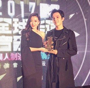 Димаш Кудайбергенов на вручении премии MTV Music Awards