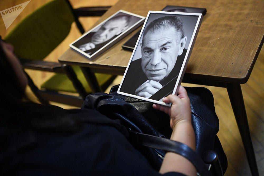 Прощание с актером Владимиром Толоконниковым в московском Доме кино