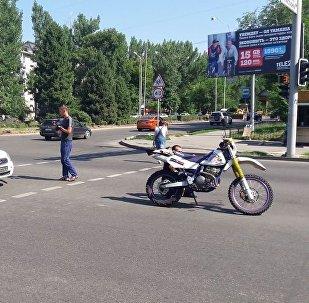 Лада сбила мотоцикл