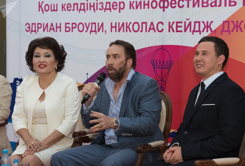 Николас Кейдж в Астане
