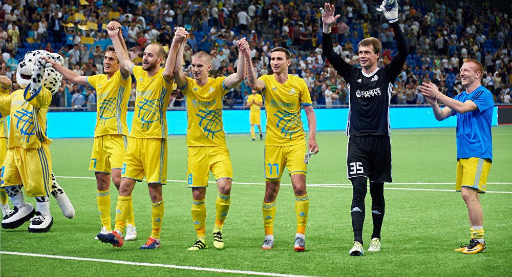 Игроки ФК Астана празднуют победу в матче с Легией
