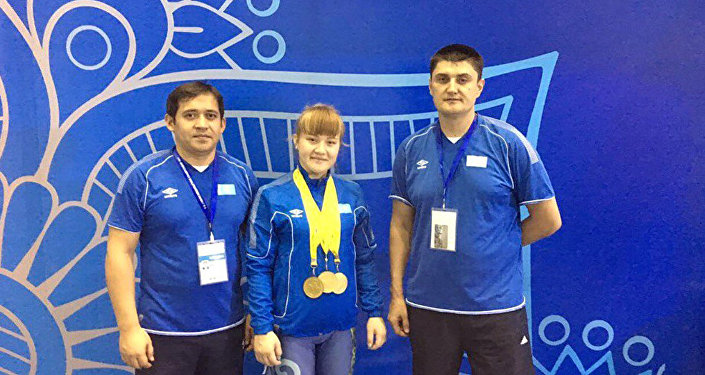 Тяжелоатлетка Карина Кузганбаева