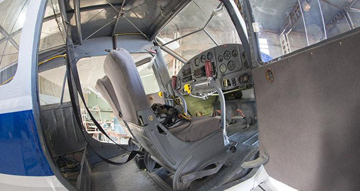 Кабина самолета Як-12, архивное фото