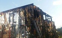 Складские помещения сгорели в Алматы