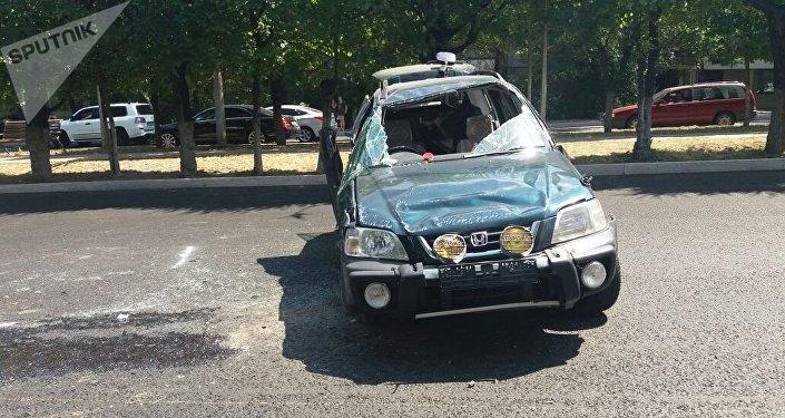 Honda перевернулась в Алматы