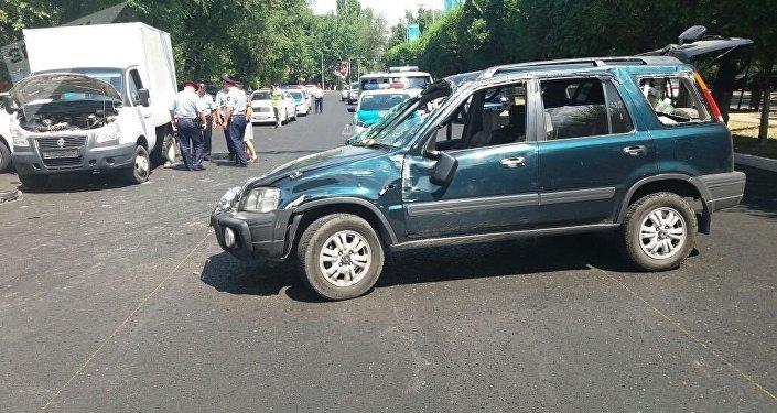 Хонда врезалась в ГАЗель