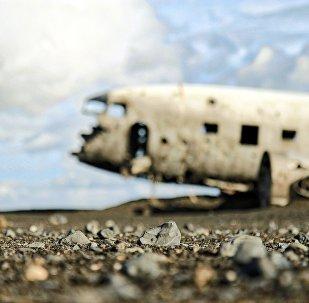 Разрушенный самолет