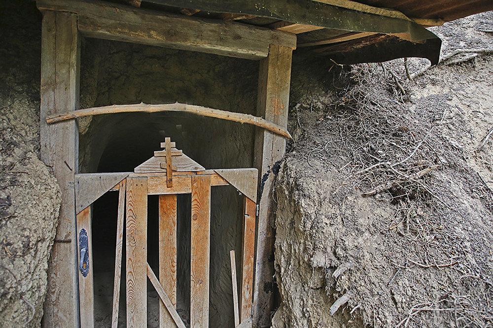Скит в Аксайском ущелье Алматинской области