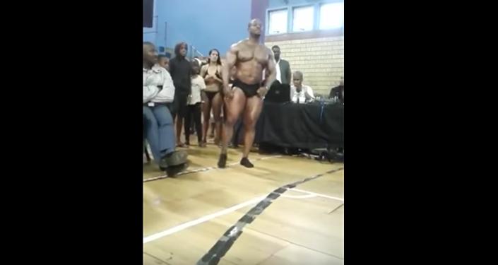 Бодибилдер из ЮАР скончался после неудачного сальто