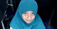 Девочка в хиджабе, архивное фото