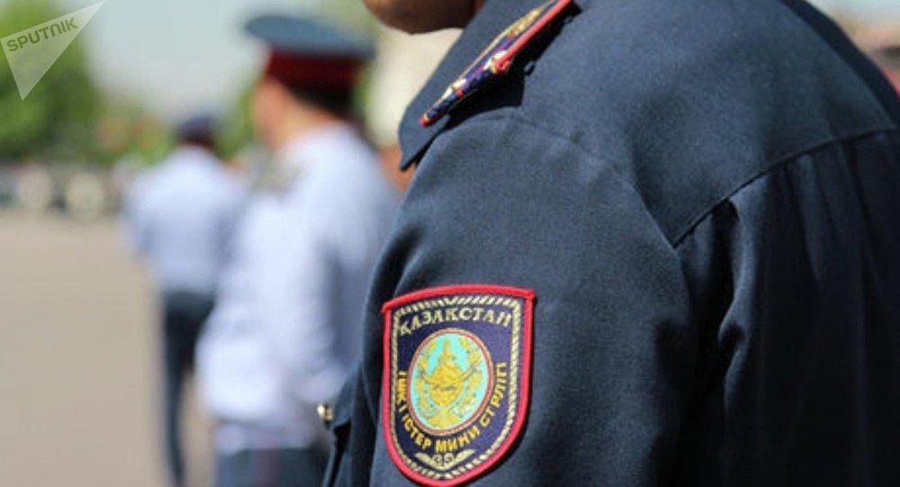 В Актау наградили полицейских, ставших героями видеороликов в СМИ (ВИДЕО)