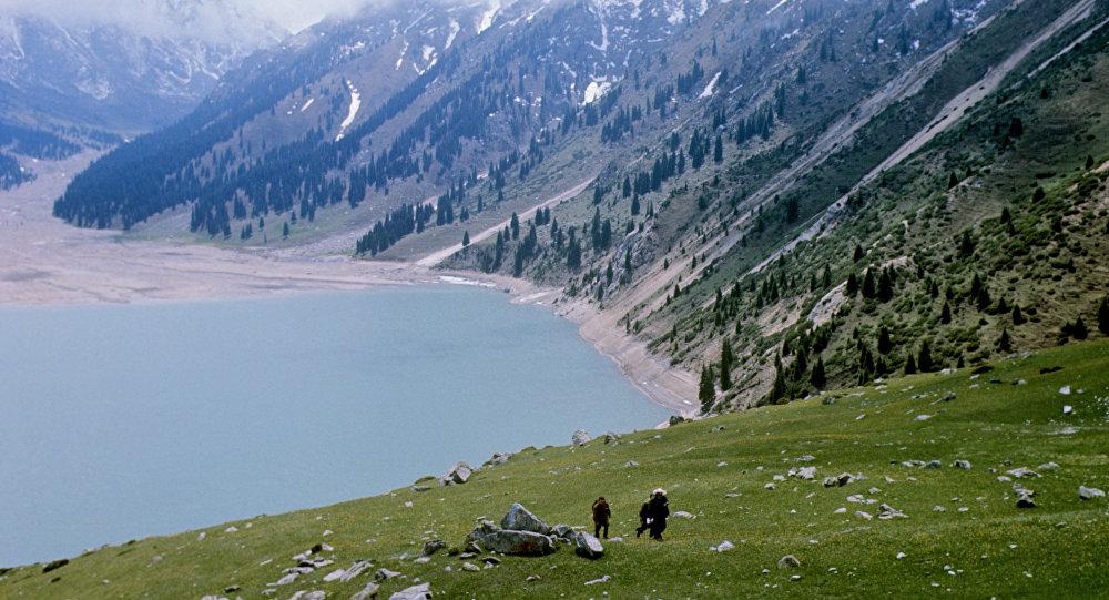 Кольсайские озера в горах Заилийского Алатау
