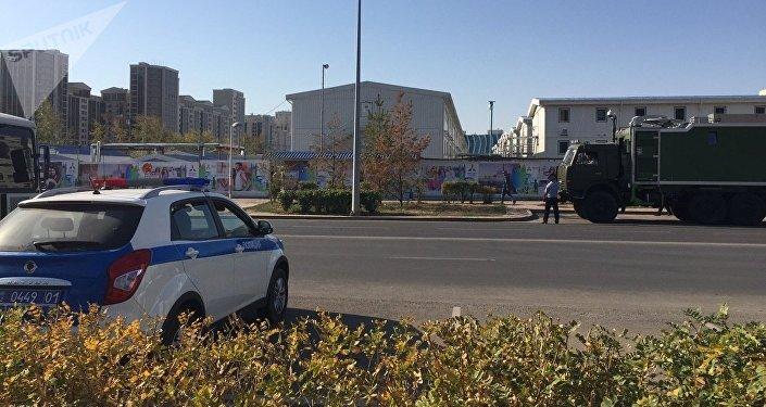 Патрульная машина в районе Абу-Даби Плаза