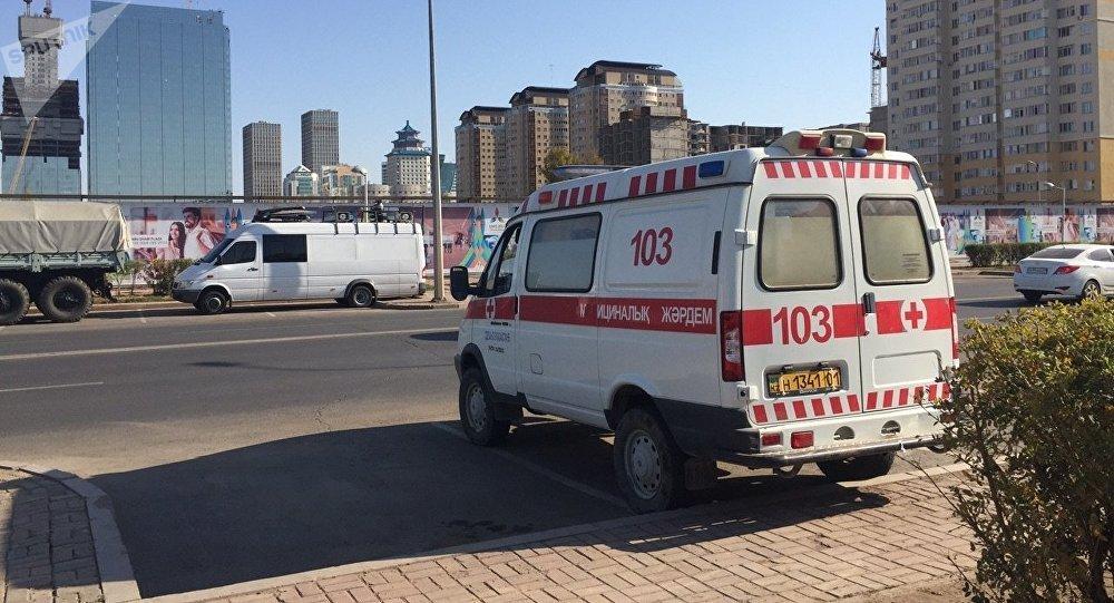 Скорая помощь вблизи Абу-Даби Плаза
