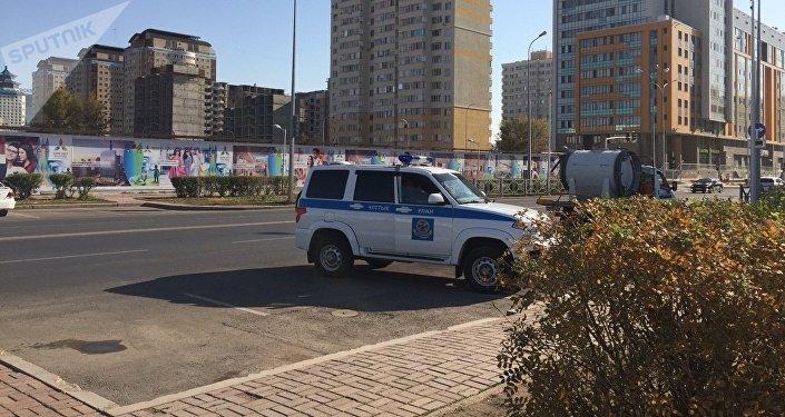 Абу-Даби Плаза маңындағы Ұлттық гвардия автокөлігі