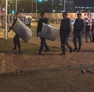 Спецназ на месте беспорядков в Астане
