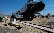 Модель космического корабля Буран на территории космодрома Байконур