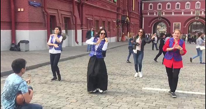 Казахский танец Камажай станцевали на Красной площади