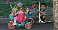 Дети, архивное фото