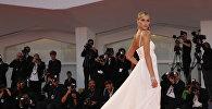 Бразильская модель Рената Куэртен