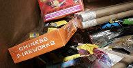 Коробки от фейерверка, сделанного в Китае, архивное фото