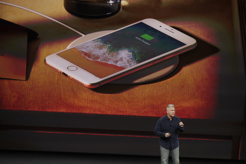 Презентация новых возможностей iPhone 8