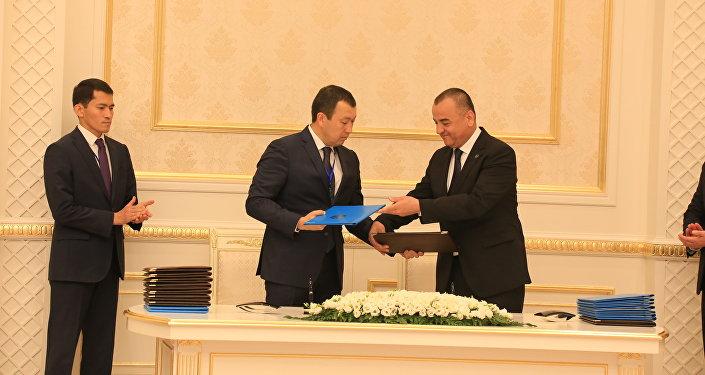 Подписание соглашения в военно-техническом сотрудничестве между Казахстаном и Узбекистаном