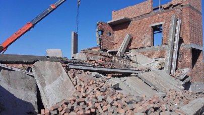 Перекрытие и стена обрушились в строящемся доме в Астане