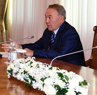 Омурбек Бабанов пен Нұрсұлтан Назарбаев