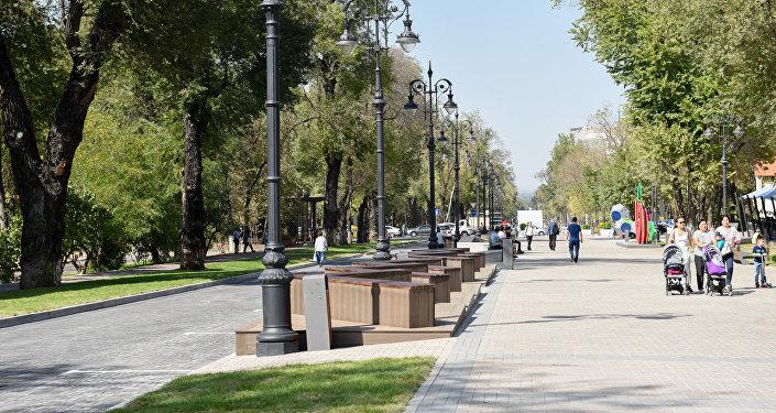 Улица Панфилова в Алматы