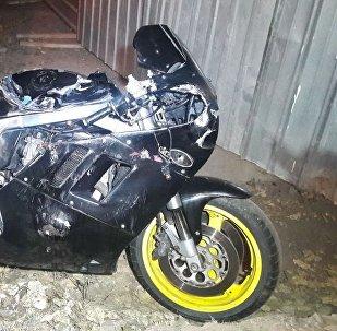 Мотоцикл перевернулся на Сатпаева - Щепеткова